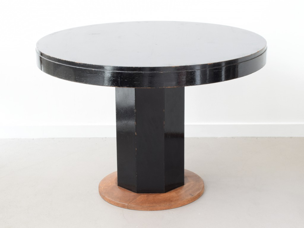 Gropius_Table_01