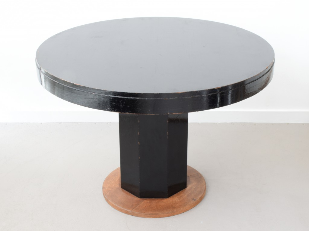 Gropius_Table_02