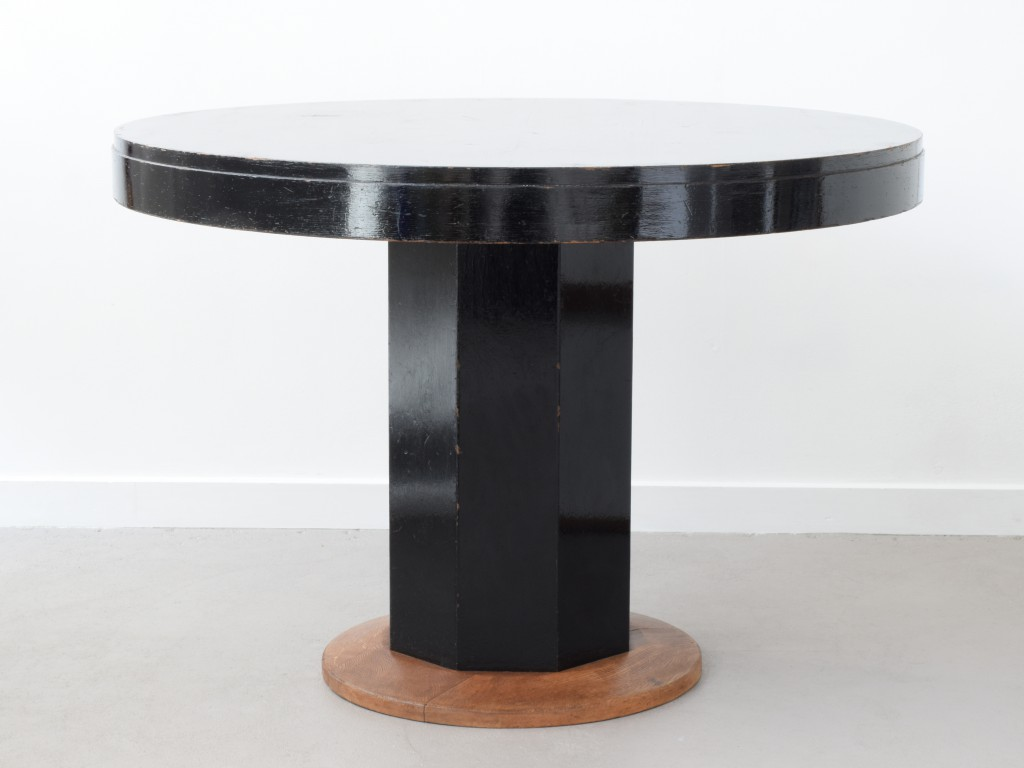 Gropius_Table_04